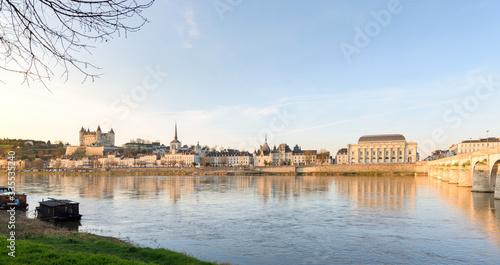 Fotografía Saumur skyline  and Renaissance castle in Val de Loire, France