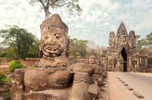Ancient Statues Past The Way T...