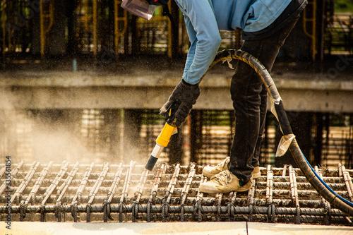 sandblasting washing  concrete and steel bar Canvas-taulu