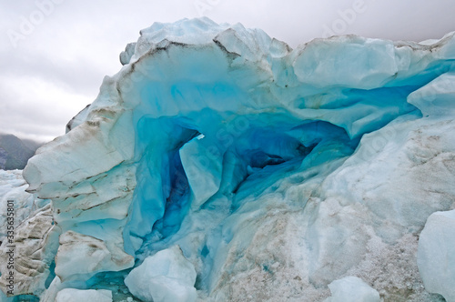 Blue Ice in a Glacial Serak