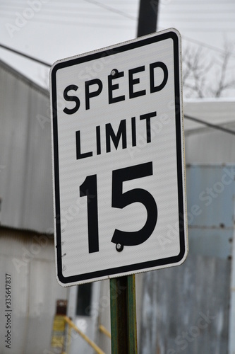 Fotomural Fifteen Miles Per Hour Speed Limit Sign