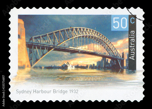 Tela AUSTRALIA - CIRCA 2004: A used postage stamp from Australia, depicting an image of Sydney Harbour Bridge in Australia, circa 2004