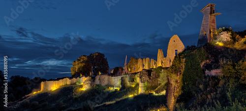 La nuit tombe sur la forteresse de Barbe-Bleue Canvas Print