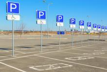 Road Sign-disabled Parking Onl...