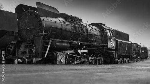 Fotografie, Obraz Stara lokomotywa parowa na bocznicy kolejowej