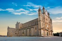 Exterior View Of Orvieto Cathe...