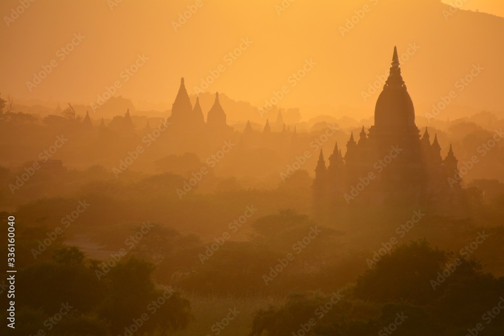 Fototapeta bagan at sunrise bagan myanmar
