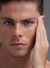 Masculine Skincare - Man Hydra...