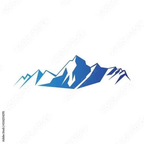 Obraz blue gradient everest mountain illustration isolated on white background - fototapety do salonu