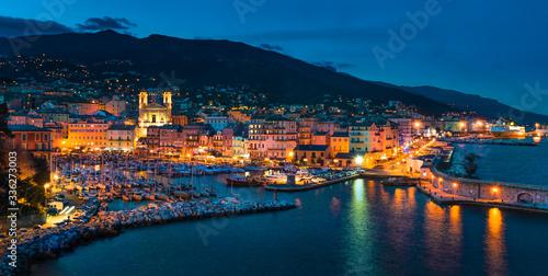 Valokuvatapetti Bastia de nuit