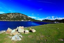 Lac Et Barrage Des Bouillouses...