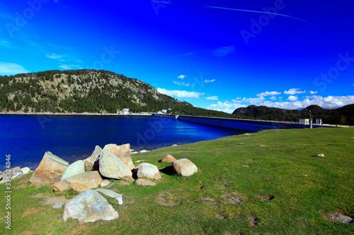 Lac et barrage des Bouillouses en Pyrénées Orientales Canvas Print