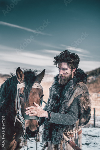 Fototapeta hunter with a horse obraz