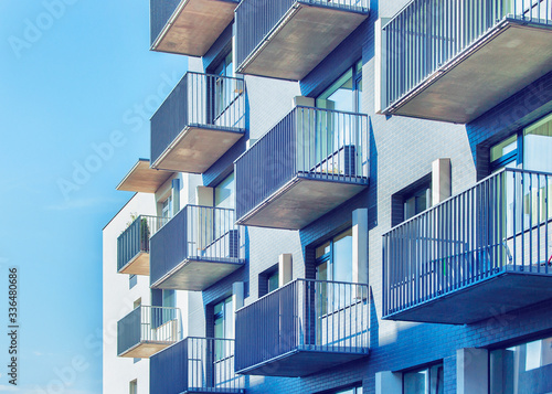 Fotografia Fragment of residential buildings with balconies