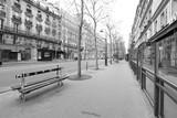 Fototapeta Uliczki - Streets of Paris (France) being empty during the coronavirus (COVID-19) lockdown.