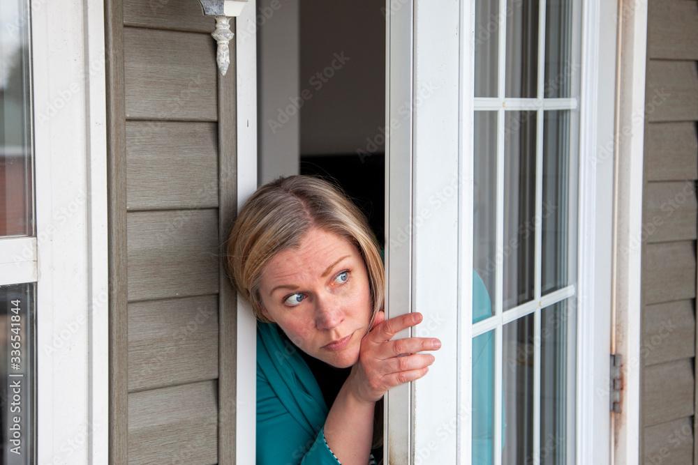 Fototapeta scared to go outside