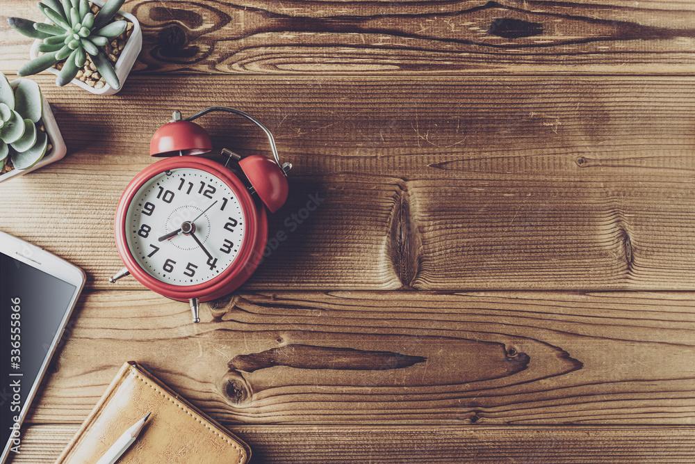 Fototapeta ビジネスアイテムと時計