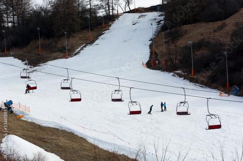Fototapeta Stok narciarski koniec sezonu obraz