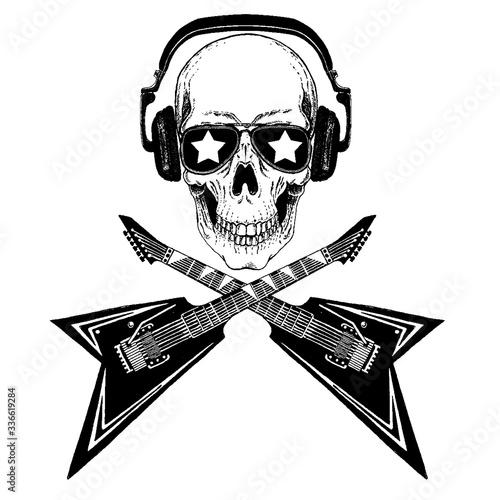 Photo Vector skull in headphones with guitars