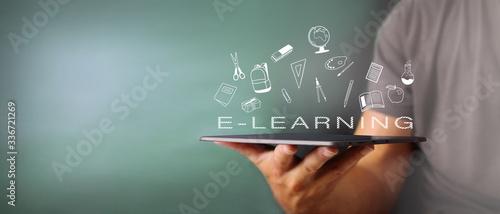 Fotografia Concetto di formazione online tramite dispositivi multimediali