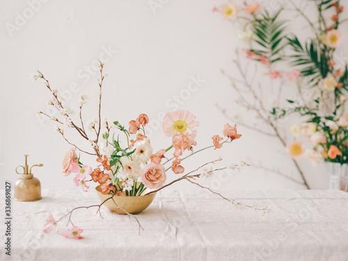 Obraz na plátně A wabi sabi inspired floral arrangement