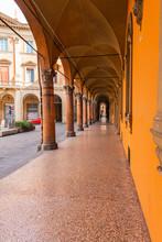 Bologna Centro Storico Reporta...