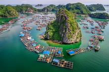 "Floating Fishing Village And Rock Island In "" Lan Ha "" Bay, Vietnam, Southeast Asia. UNESCO World Heritage Site. Landscape. Popular Landmark, Famous Destination Of Vietnam. Near "" Ha Long "" Bay"