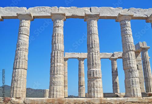 Photo the temple of Poseidon at Cape Sounion Attica Greece