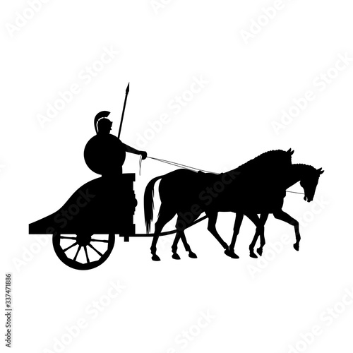 Photo Roman warrior on an ancient war chariot drawn by two horses