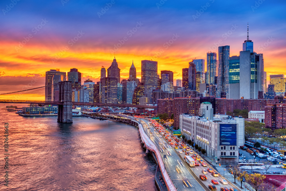 Fototapeta View of Lower Manhattan with Brooklyn Bridge at Sunset, New York City