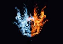 赤い炎と青い炎が合体した抽象的な火の玉