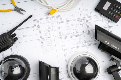 Photo CCTV security online camera with house plan