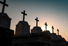 Cemetery Or Graveyard In The Night With Dark Sky. Headstone And Cross Tombstone Cemetery. Rest In Peace Concept. Funeral Concept. Sadness, Lament, And Death Background. Spooky And Scary Burial Ground.