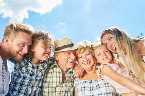 Fototapeta Drei Generationen Familie als Gemeinschaft obraz