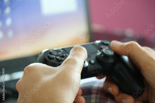Photo Joystick in der Hand des Mannes
