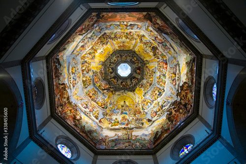 Fotografie, Obraz Interior view of Last Judgment Fresco Cycle in dome of Cathedral of Santa Maria