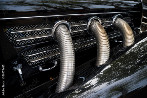 Fototapeta exhaust pipes on oldtimer car obraz