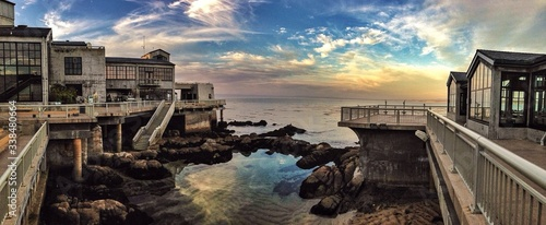 Exterior Of Monterey Bay Aquarium Overlooking Ocean At Sunset - fototapety na wymiar