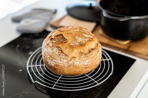 Fototapeta Leckeres selbsgemachtes Brot backen obraz
