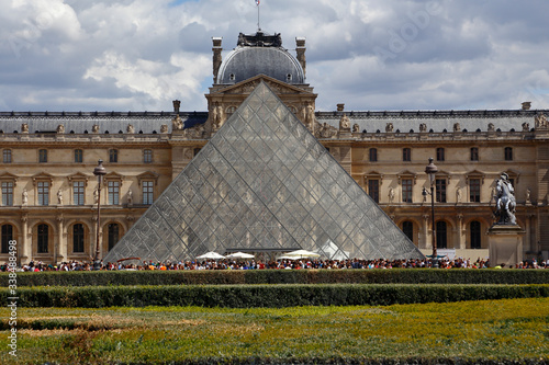 Fotografie, Obraz Louvre Museum, The Great Pyramid at sunset, Paris France - August 5, 2015