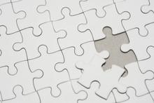 White Jigsaw Puzzle Pattern Ba...