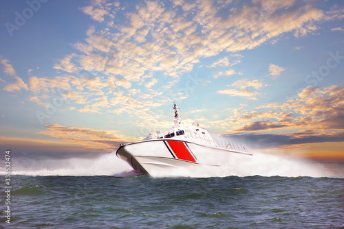 Tablou Canvas coast guard boat during storm at sea