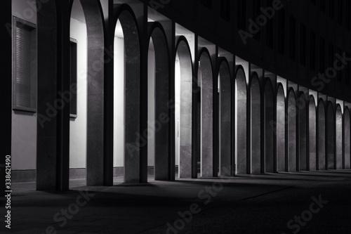 Row Of Columns At Passage Fototapet