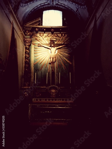 Valokuvatapetti Crucifix In Church