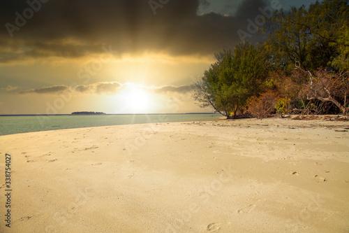 Karimunjawa indonesia java beach coastline rocks фототапет