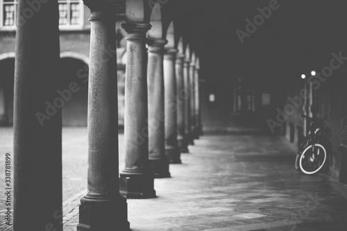 Tablou Canvas Old Colonnade