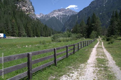 Obraz na plátně Droga w górach, dolomity