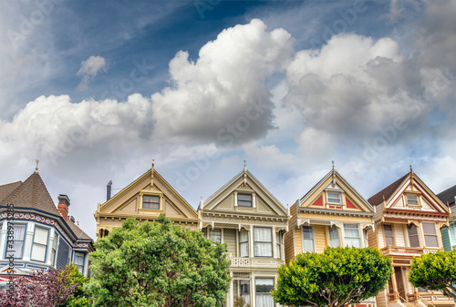 Photo The Painted Ladies of San Francisco Alamo Square Victorian houses