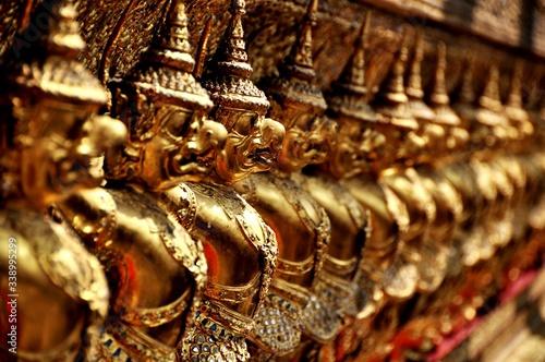 Guardian Statues In Temple Fototapete