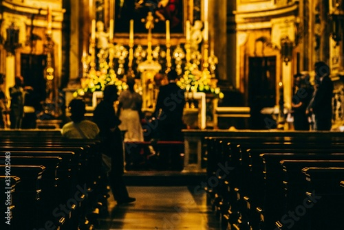 Obraz na plátně People At Wedding Ceremony In Basilica Of San Francesco Dassisi